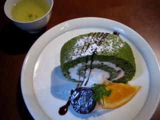 抹茶と小豆のロールケーキ