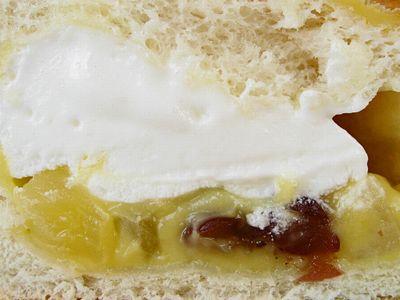 パンdeシュー フルーツクリーム&ホイップ