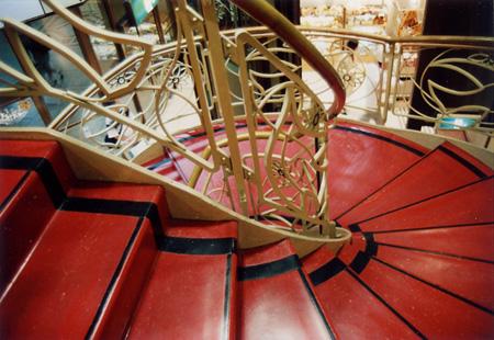阪急百貨店 螺旋階段
