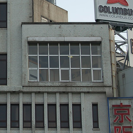 北浜画廊の窓