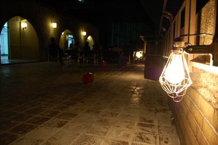 夜の芝川ビル