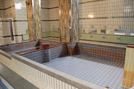 美章園温泉(風呂場)