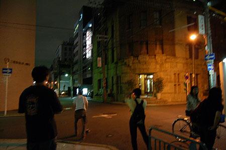 夜の芝川ビル撮影