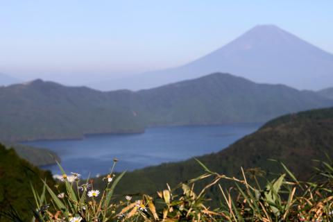 富士と芦ノ湖