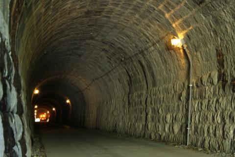 天城トンネル内