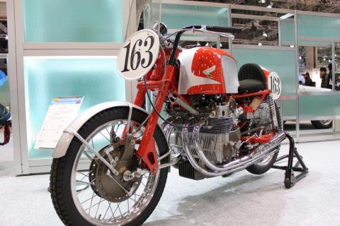 ホンダRC180