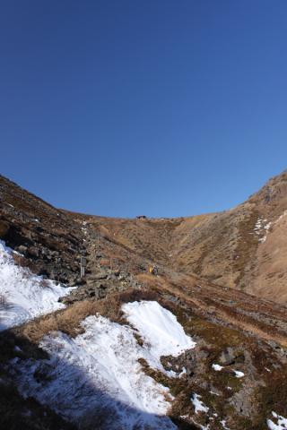 那須岳にはすでに雪が