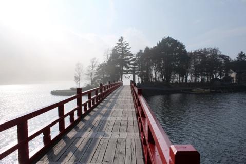 赤城神社も霧に霞む