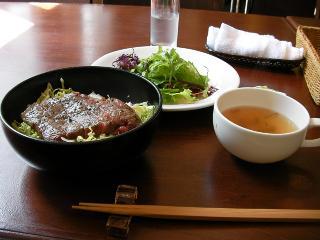 伊豆牛のステーキ丼