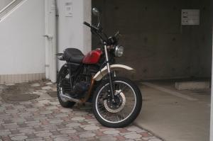 誰かのバイク