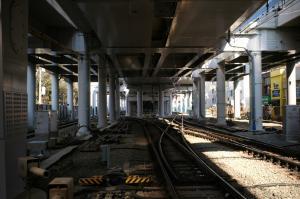 東横線高架下
