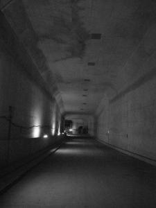トンネル奥