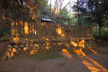 小牧山八幡神社境内と拝殿