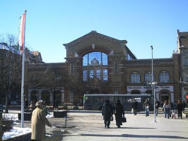 バッチャーニ広場前