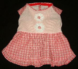 ピンク身頃赤スカート