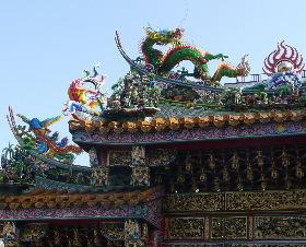 横浜関帝廟門の上部飾り