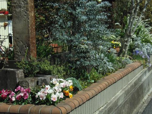 道路側の花壇