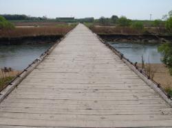 流れ橋 ケッコーキョリがあります。