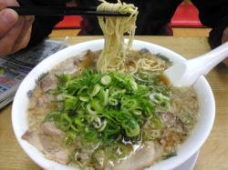 チャーシュー麺大盛 ネギ多め 醤油濃い目 麺かため