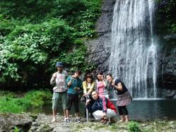 阿瀬渓谷 源太夫滝で集合写真