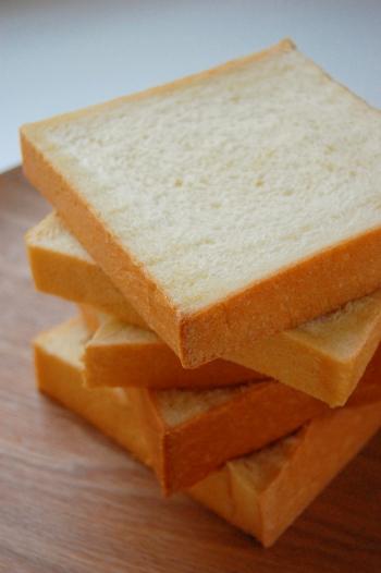 フワフワきめ細やかな角食パン