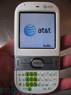 att_cent_hands20080221.jpg