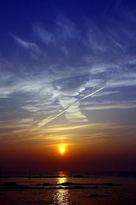 夕日と魔女A