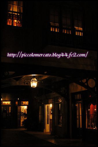 Rstreetnight-1.jpg