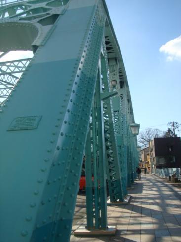 新色・犀川大橋