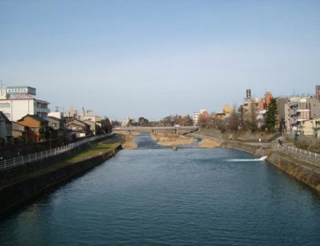 犀川大橋より犀川