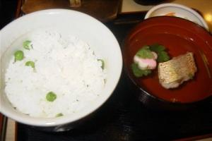 豆ご飯とお吸い物