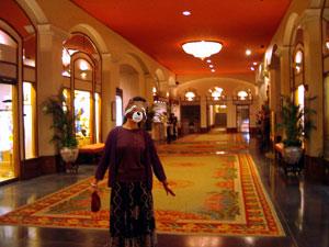 宮殿のようなロイヤルハワイアンホテル