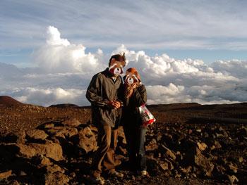 マウナケア山頂 星空観測ツアーレポ 山頂付近で記念撮影