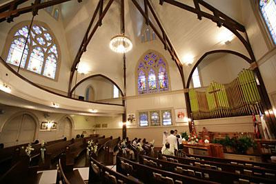 カウマカピリ教会挙式本番風景