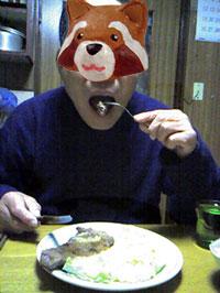 お義父さんステーキを食べる
