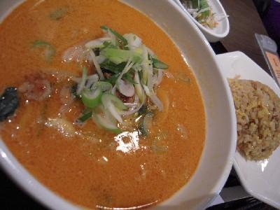 坦々麺とチャーハン