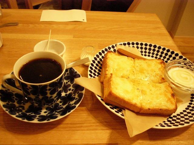 タオコーヒーコーヒーとサンド