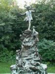 ピーターパンの像