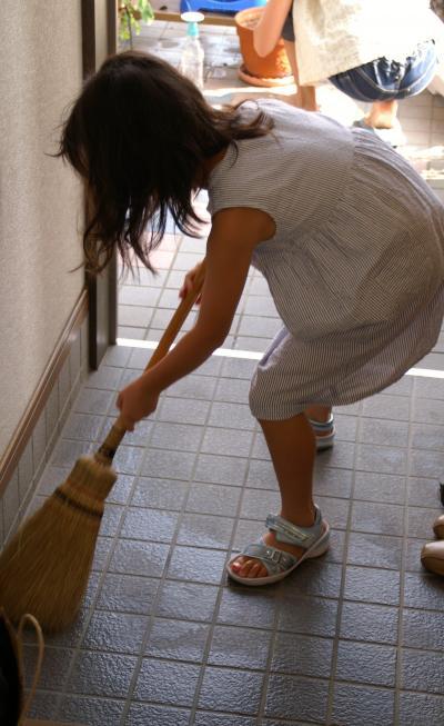 玄関掃除1