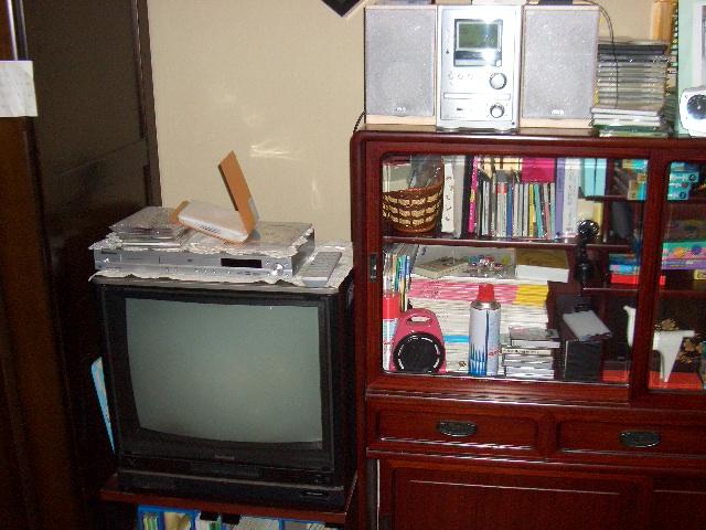 テレビとコンポ
