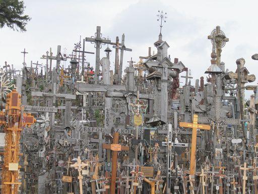 十字架がいっぱい