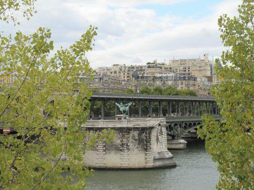 セーヌ川と橋