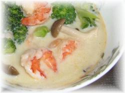 えびブロッコリー豆乳スープ
