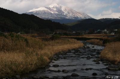 冠雪の高千穂の峰