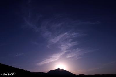 高千穂の峰と朝陽