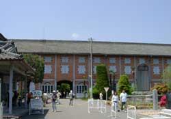 富岡製糸工場入り口
