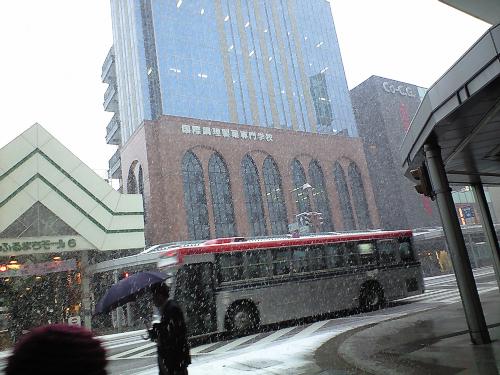 古町十字路も雪