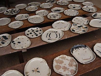 09親子で陶芸作品完成1