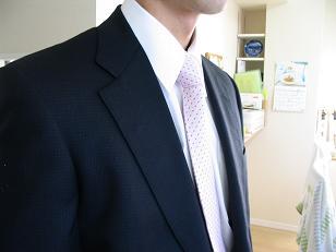 夫のネクタイ姿