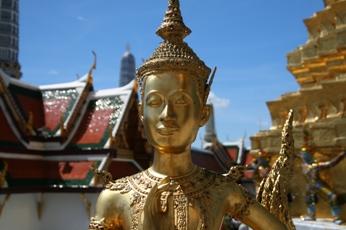 ワット・プラケオの幸せそうな顔した仏像